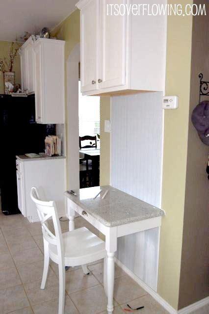 Corner Kitchen Desk 25 Best Ideas About Build A Desk On Pinterest Basement Office Filing Cabinet Desk And Desk