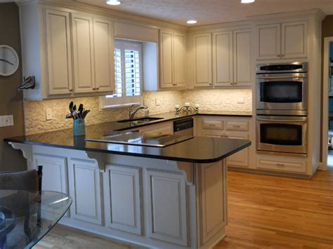 refacing kitchen cabinets why a cabinet refacing business offers customers a better