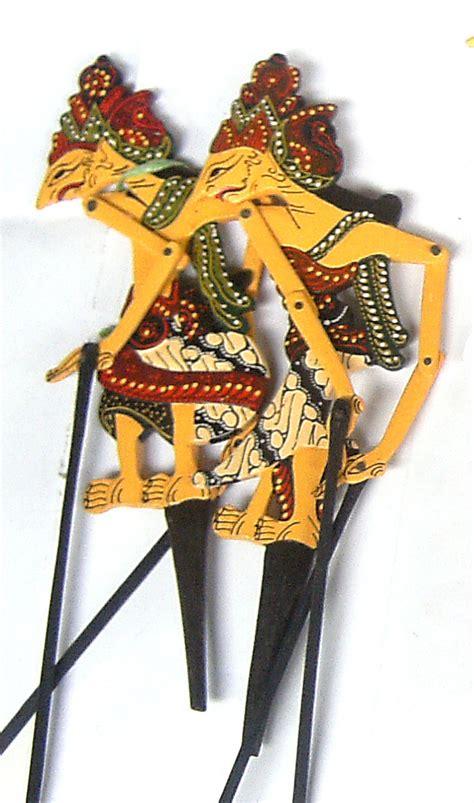 Miniatur Wayang Kayu Batik Prodo Rama Shinta Ukuran L 45x17x08 Cm wayang kayu