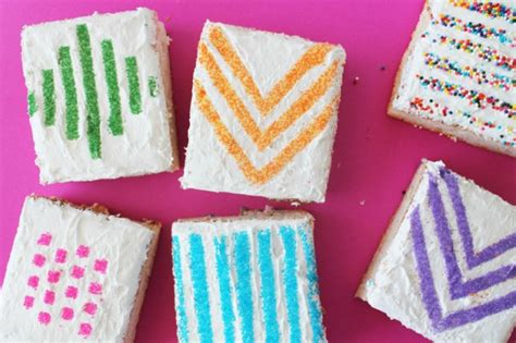 How To Make A Stencil With Wax Paper - use wax paper stencils to make pretty patterned cakes