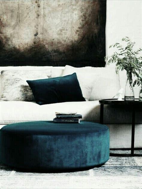 schöne kissen sofa aus samt ein aristokratisches m 246 belst 252 ck archzine net