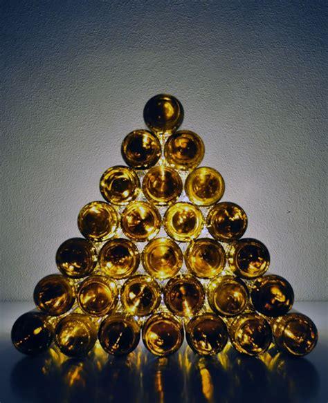 arbol navidad minimalista 12 ideas para reciclar botellas de vino en navidad vinopack