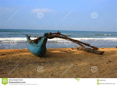 fishing boats in indian ocean fishing boat ashore the indian ocean stock photo image