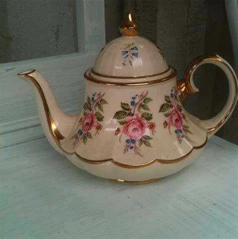 sadler vintage very shabby chic teapot