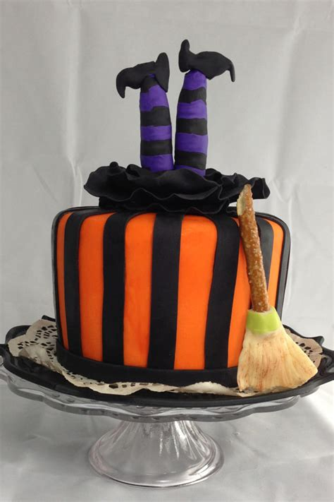 unbelievable halloween cakes    web southern living