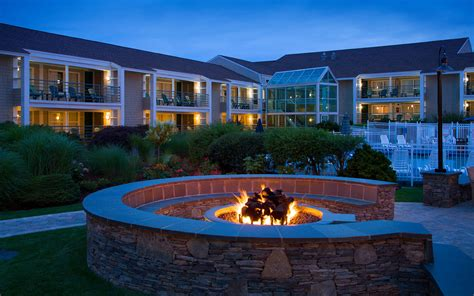 cape cod luxury resorts luxury cape cod waterfront hotel hyannis harbor hotel