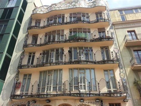 direct line casa lines at casa batllo fotograf 237 a de casa batll 243 barcelona