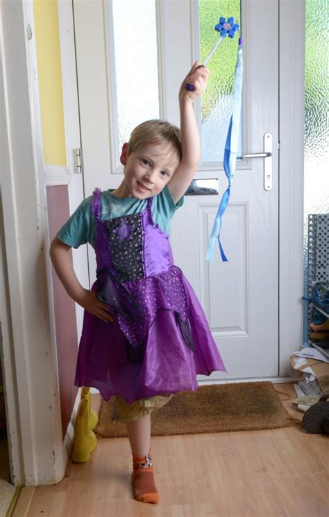 my son wearing a dress isaac 4 told by delivery man that boys shouldn t dress