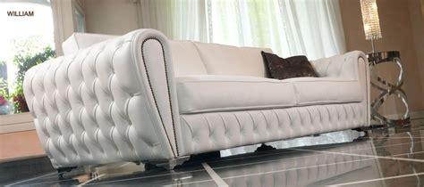 sofas de cuero blanco sof 225 en cuero blanco sofas curbos