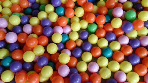 color balls file color balls jpg wikimedia commons