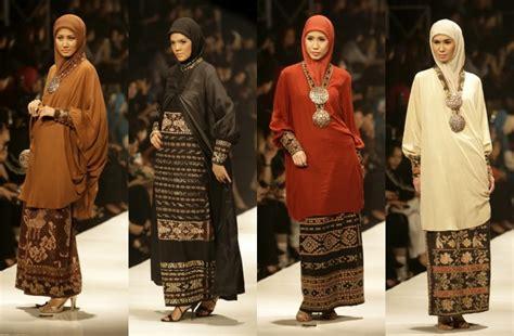 Baju Muslim Modern Tenun Overoll Prediksi Trend Busana Muslim Di Tahun 2015 Busana Muslim