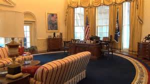 oval office pics bill clinton s oval office clinton presidential center