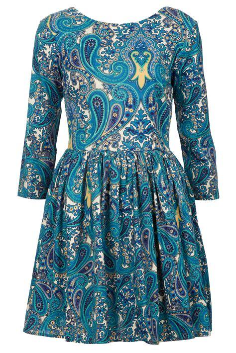 paisley print dress 11070 lyst topshop paisley print skater dress in blue