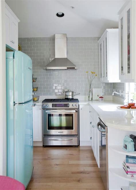 25 inspiring photos of small kitchen design