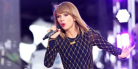 mini biography about taylor swift taylor swift height weight dress and shoe size