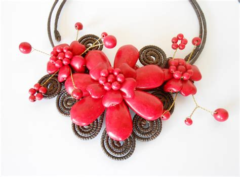 Handmade Jewelry Thailand - flower choker necklace with waxed cotton adjustable