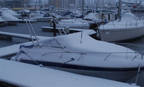 winterizing a boat in water tips to winterize your boat americoveramericover