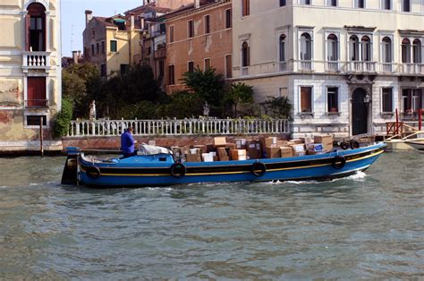 reddit free boats ups boat in venice italy s grand canal pics