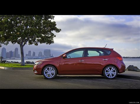 2013 Kia Forte 5 Door 2013 Kia Forte 5 Door Side Hd Wallpaper 3