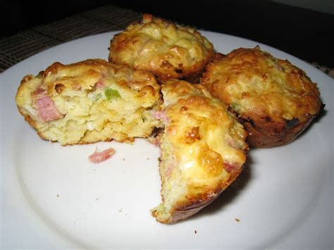 formaggio cottage cottage cheese and egg muffins with ham and cheddar cheese