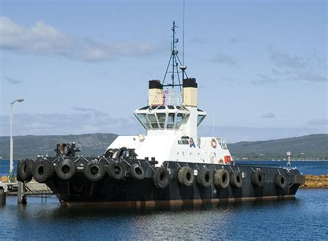 tugboat bay transnet awards building contract for new saldanha bay tug