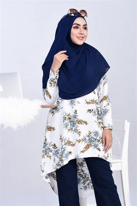 Blouse Muslim Zahira Top White Series tunic flora snow white muslimahclothing