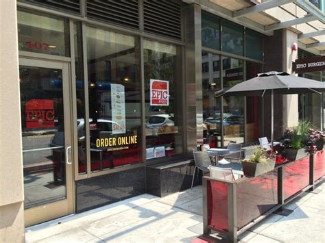 epic burger lincoln park epic burger chicago 407 n clark st restaurant reviews