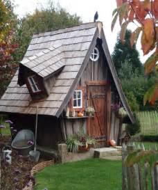 hexenhaus garten 1000 ideen zu kinderspielhaus auf spielhaus