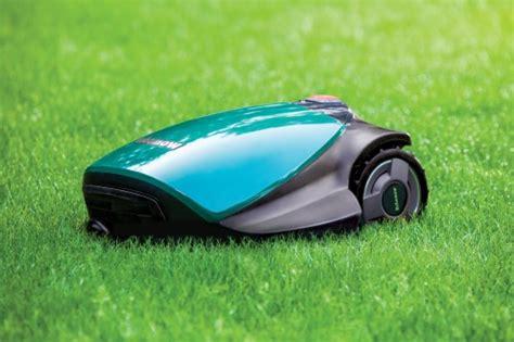 600 Sq Ft robomow rc306 robot lawn mower robotshop