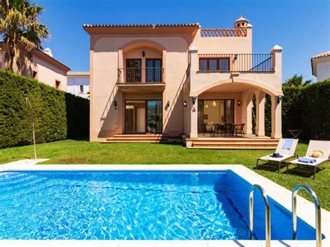 home casa estepona la resina casa de vacaciones villa resina golf in estepona espa 241 a