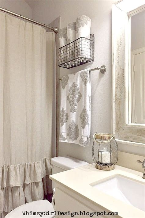 Bathroom Towel Racks Ideas by 25 Best Ideas About Hanging Bath Towels On