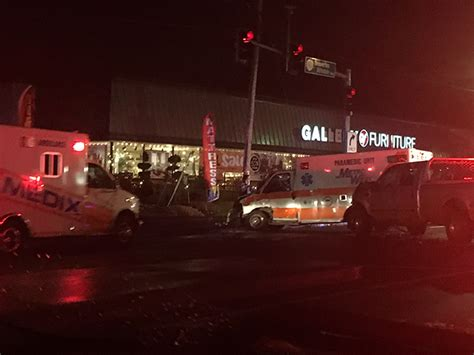 table pizza beaverton hillsdale highway ambulance transporting patient struck by vehicle in