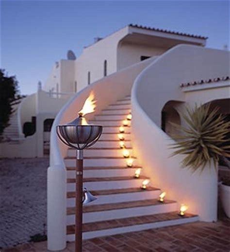 fiaccole giardino illuminazione naturale in giardino candele fiaccole