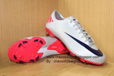 Sepatu Sepak Bola Nike Soccer Mercurial Putih Merah Import jual sepatu bola original sepatu sepak bola nike mercurial victory ii white granite
