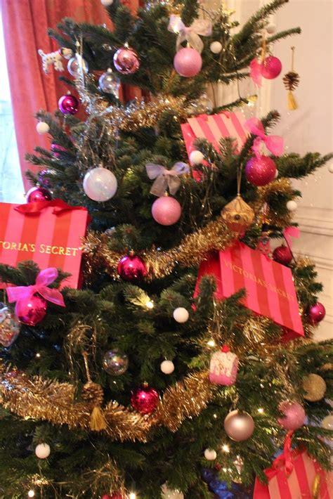 life illustrated victoria s secret christmas tree i love
