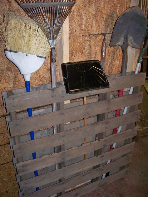 Make A Pallet by How To Recycle Creative Things To Make On Recycled Wood
