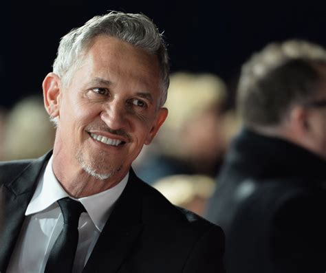 gary lineker gary lineker will not be bullied by daily mail after