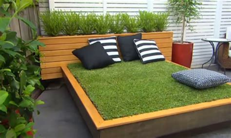 Diy Outdoor Daybed Diy Garden Guru Makes Outdoor Grass Daybed Out Of Wood Pallets Inhabitat Green Design