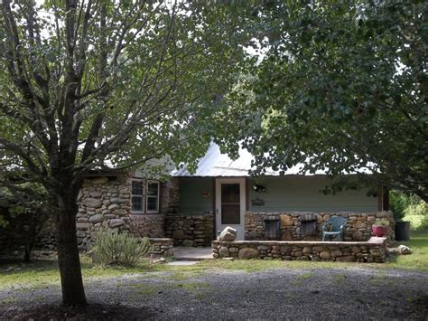 Lake Nc Cabin Rentals by Lake Cabin In Carolina Cozy And Vrbo