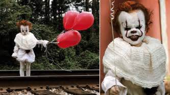 year  dressed  pennywise  clown