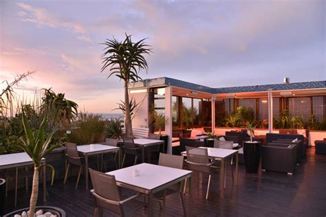 peroni catamaran cape town 3 spectacular spots to watch the sunset in cape town