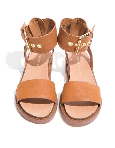 In Your Sandals Best by Sandals For The Best Option In Summer