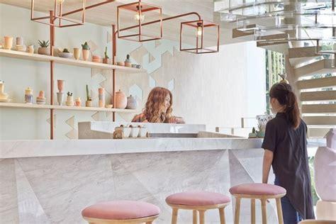 Interior Color For Home by Shugaa Helader 237 A Verde Y Rosa En Bangkok Diariodesign Com