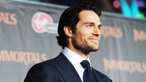 list of english actors in hollywood henry cavill in talks to replace tom cruise in man from u