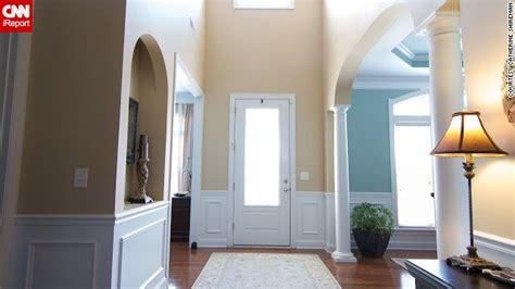 Open Foyer Design Are You Brave Enough To Decorate Boldly In The Foyer