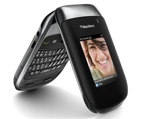 Blakberry Syle 9670 sprint gets style the new blackberry flip phone