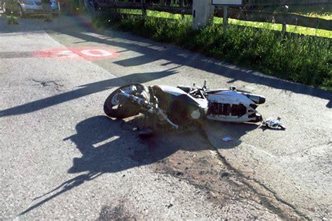Motorrad Promille by Biker Gerammt Lenker Stellt Sich Mit 0 8 Promille