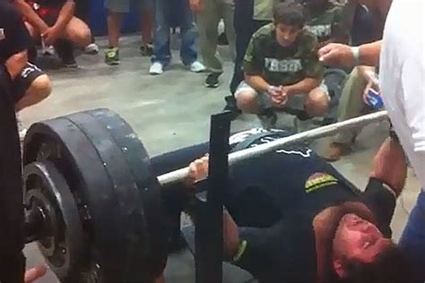 700 bench press watch the strongest high school kid you ll ever see bench