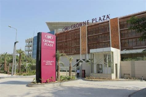 theme hotel tonk road jaipur crowne plaza jaipur tonk road picture of crowne plaza