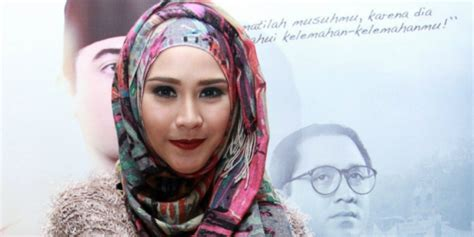 tutorial hijab paris wajah bulat siasat hijab wajah bulat dream co id